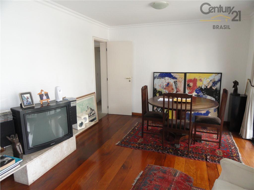 Vila Nova Conceição,4 dormitórios suite 3 gars proximo do parque São Paulo - AP2740.