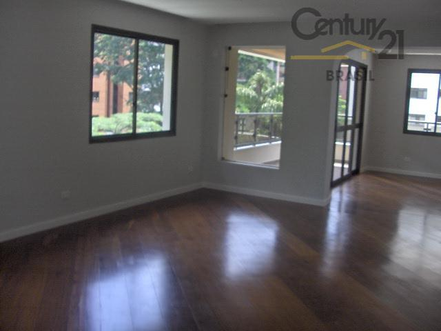 Apartamento Residencial para venda e locação, Moema, São Paulo - AP0502.