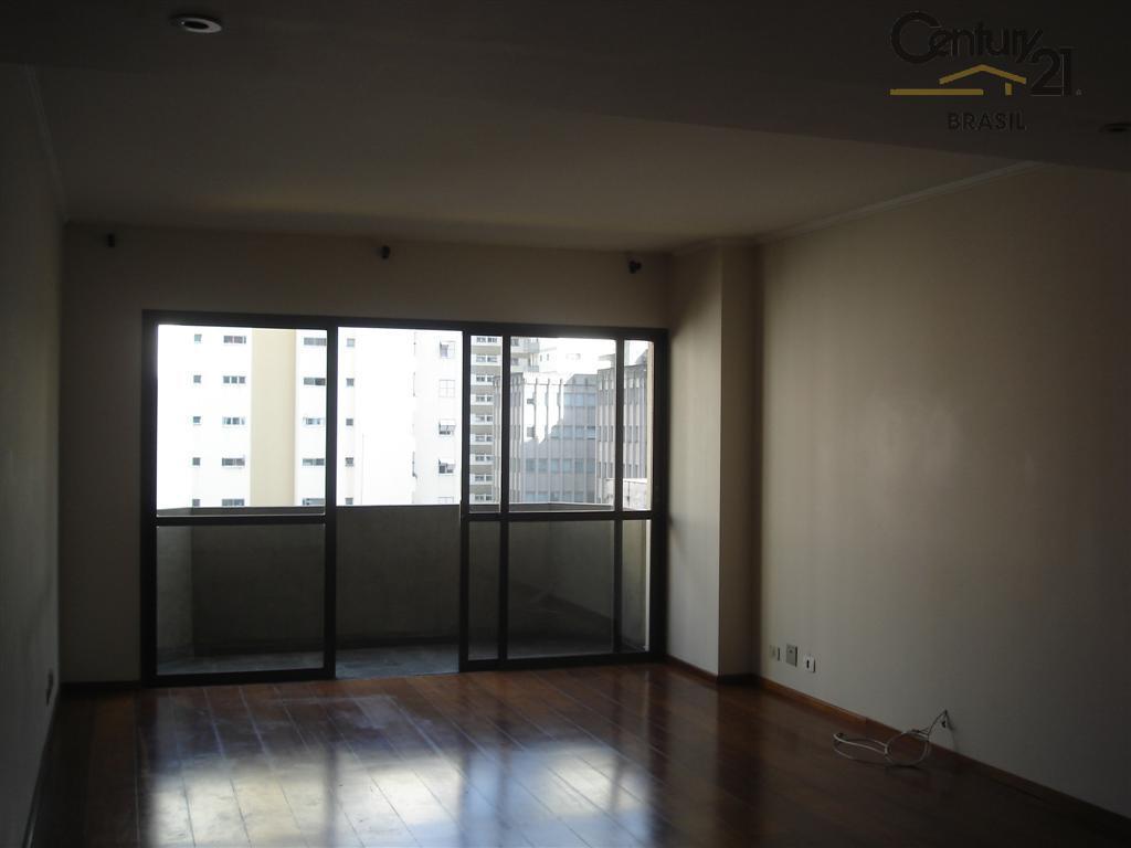Belo e impecável apartamento com 3 dormitorios e 2 vagas no Brooklin