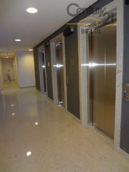 quatro conjuntos comerciais no terceiro andar, interligados para venda.as quatro salas perfazem 180 m², cada uma...