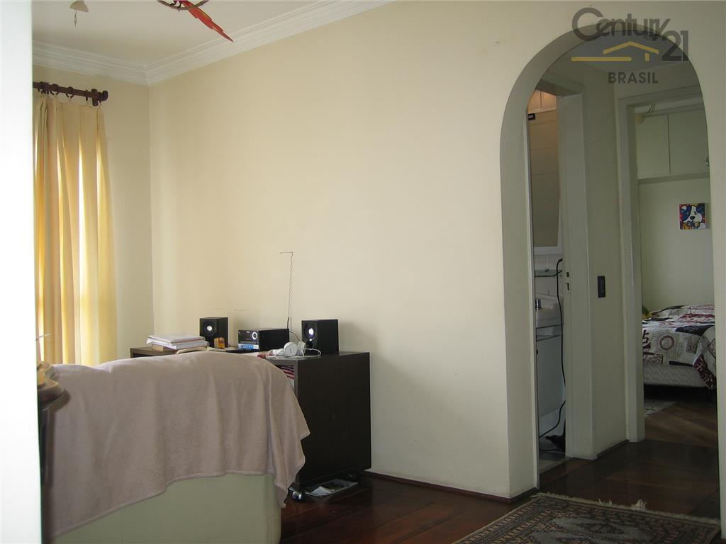 Apartamento decorado de um dormitório residencial à venda em local nobre de Moema, São Paulo.