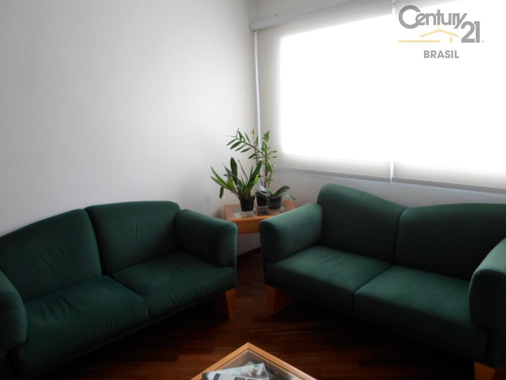 Ótima localização em Moema,Apartamento com 2 dormitorios, 3 reversilvel,1 vaga de garagem.
