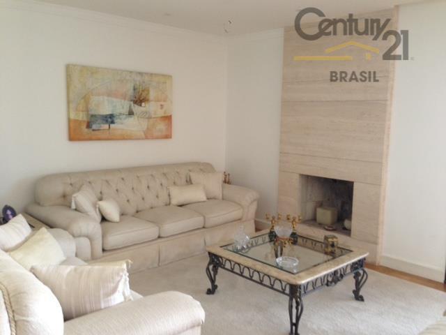 Ótimo apartamento em área nobre do Brooklin, 3 suites, 3 vagas e varanda gourmet.