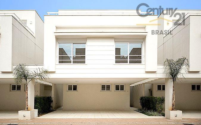 Casa em condomínio fechado no Campo Belo!  Oportunidade!