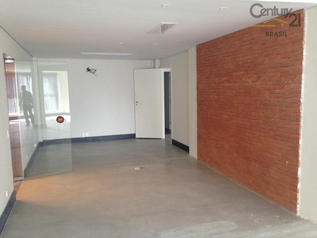 ótimo conjunto comercial com 160 m² de laje,em prédio de esquina,muito iluminado com janelões do teto...