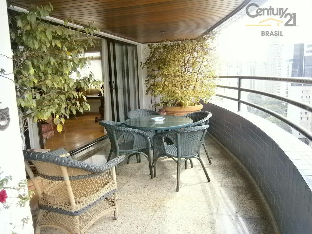 Fantástico apartamento no melhor do Itaim Bibi!