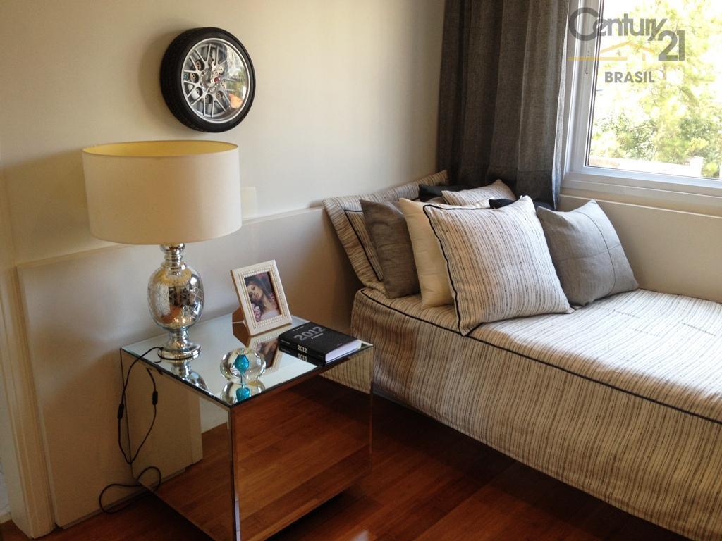 vende ou aluga altíssimo padrão próximo ao parque ibirapuera. mobiliado, decorado e equipado! porteira fechada.planta original...
