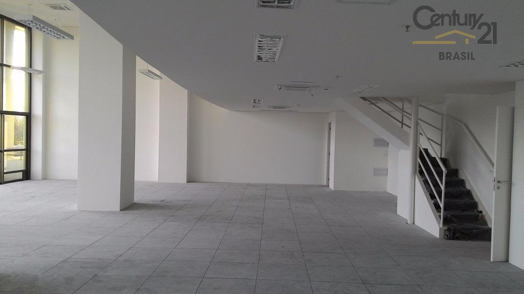 Excelente conjunto comercial com 265 m2 em edifício novo em ótima localização na esquina da Av. Roberto Marinho