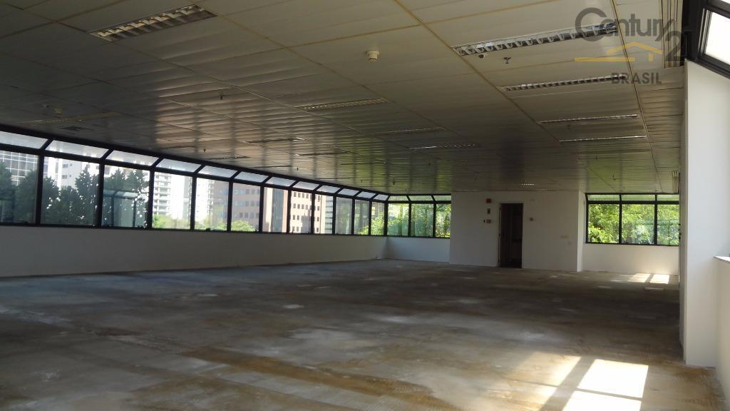 Ótimo conjunto comercial com 98 m2 em vão livre com localização privilegiada na Berrini