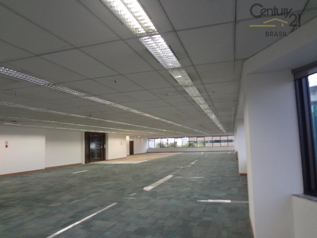 Ótimo conjunto comercial com 884 m2 em vão livre com localização privilegiada na Berrini
