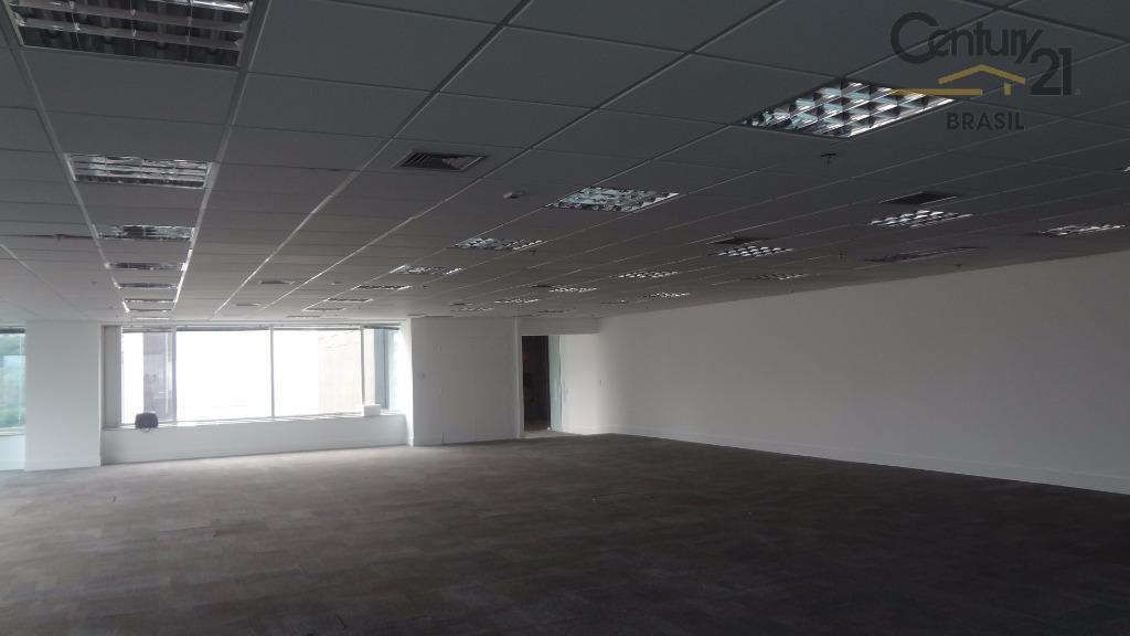 Ótimo conjunto comercial com 267 m2 em excelente localização, a menos de 100 m da Av. Nações Unidas e a 700 m da estação Berrini