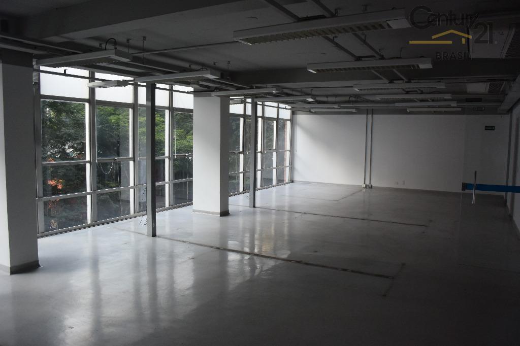 Ótimo conjunto comercial com 270 m2 (andar inteiro) em localização privilegiada na agradável Rua Amauri no Itaim.