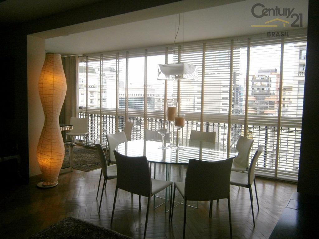 Maravilhoso apartamento em rua nobre no Itaim!