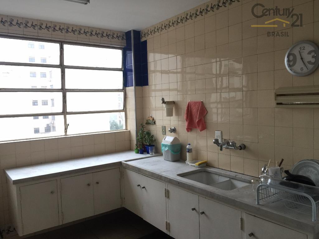 excelente apartamento no jardins 200 m da rua oscar freire. planta excelente!!!!living para 3 ambientes com...