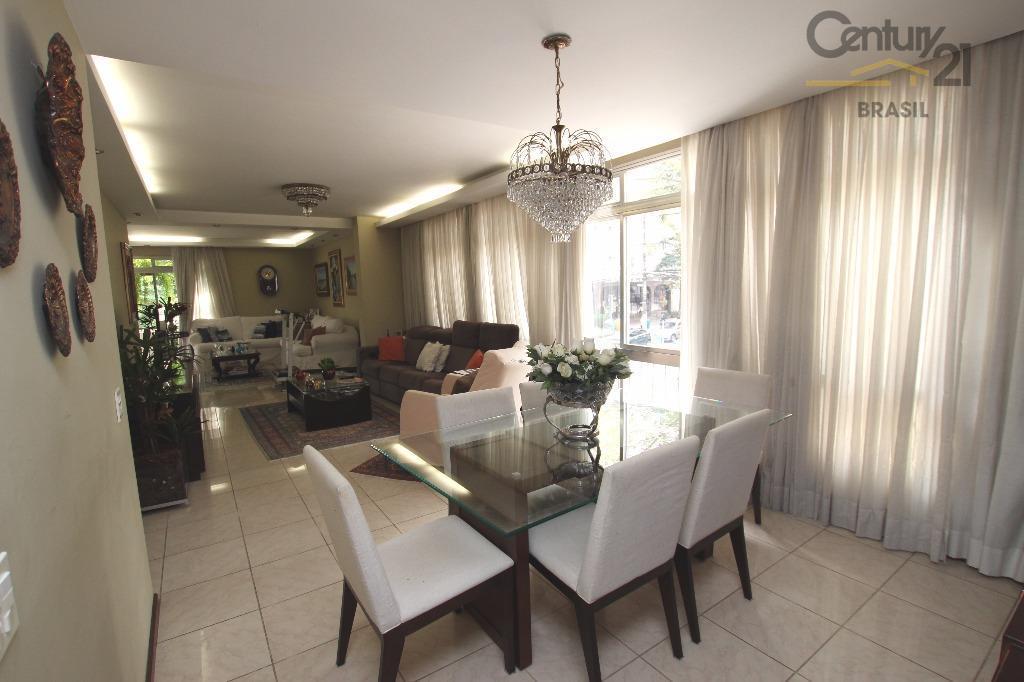 vendo apartamento em condomínio com uma torre única garantindo privacidade e tranquilidade para a família. amplo...