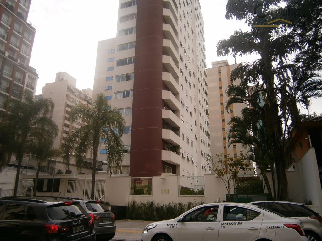Belíssimo apartamento em um dos prédios mas TOPS do Itaim!