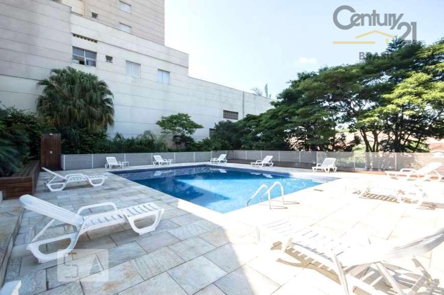 Vende apartamento Campo Belo - condomínio clube!