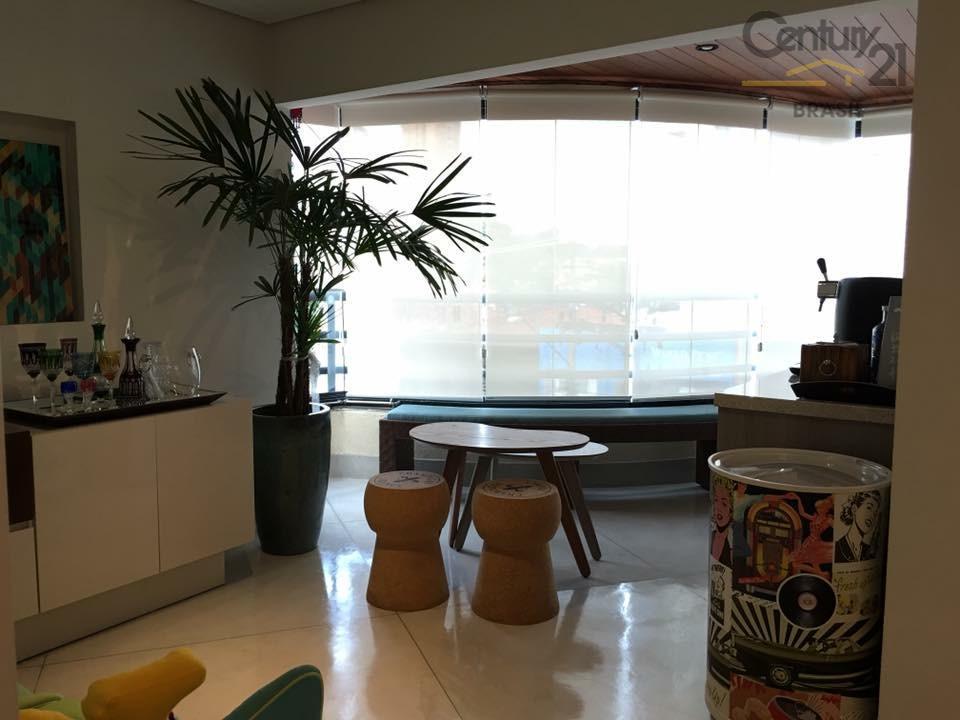 Apartamento residencial à venda, Campo Belo com espaço gourmet integrado, São Paulo.