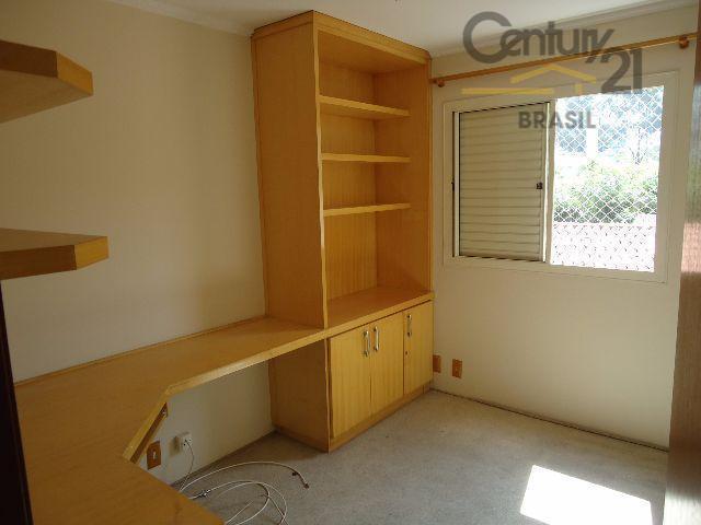 lindo apartamento pronto para morar, repleto de armários, com cozinha americana, piso em porcelanato, em condomínio...