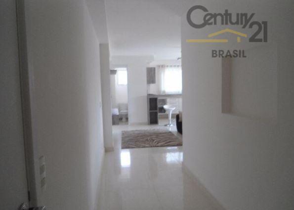 loft totalmente reformado com 67 metros quadrados de área útil, todo em piso porcelanato, cozinha planejada...