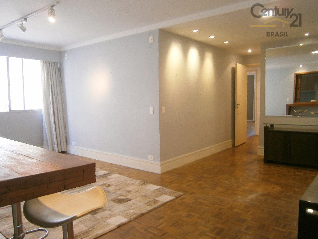Apartamento prontinho pra morar na melhor localização do Itaim.