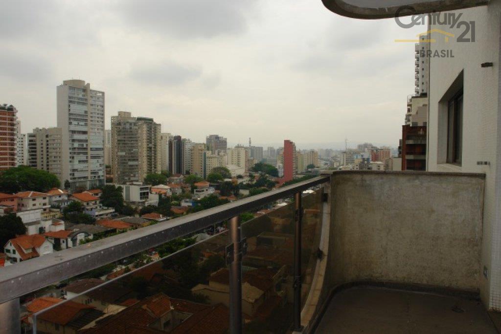 Apartamento em prédio moderno