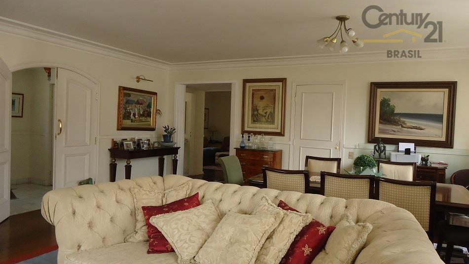 Apartamento Residencial à venda, Santa Cecília, São Paulo - AP0221.