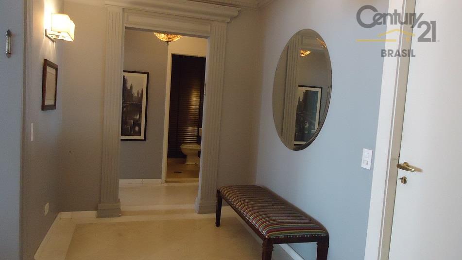 apartamento de alto padrão finamente decorado por arquiteto de renome, com papeis de parede importados, acabamentos...