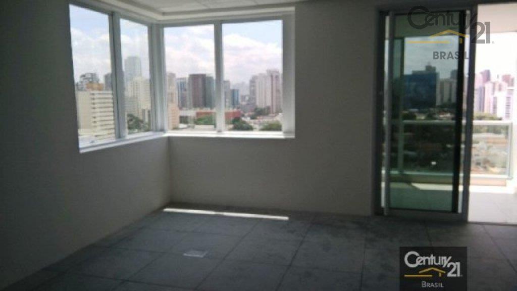 Ponto Comercial para locação,42m2 sala comercial, com ar condicionado central e já com piso elevado