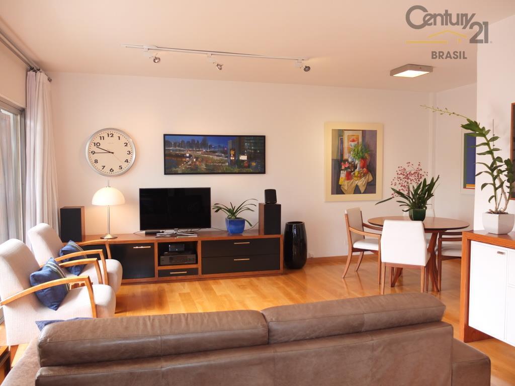 Apartamento Residencial à venda, Pinheiros, São Paulo - AP0563.