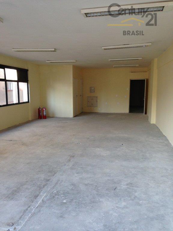 conjunto comercial amplo, 100m² de salão no contrapiso, 2 banheiros, 1 vaga para locação em local...