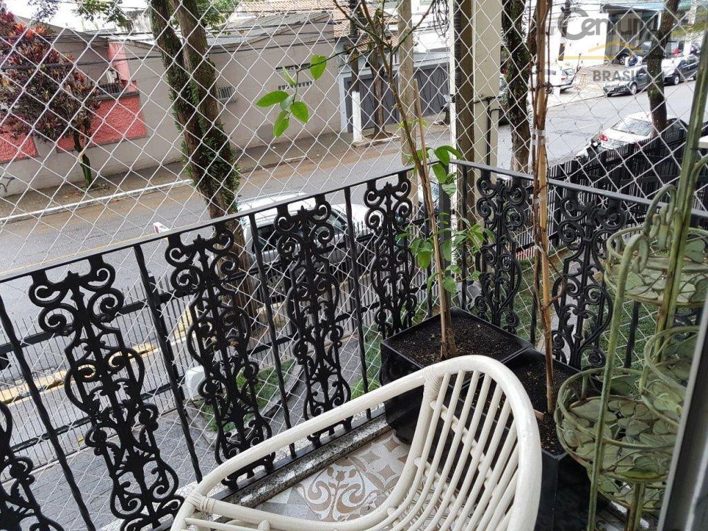 toda a tranquilidade de um bairro residencial, porta a porta com a praticidade de se morar...