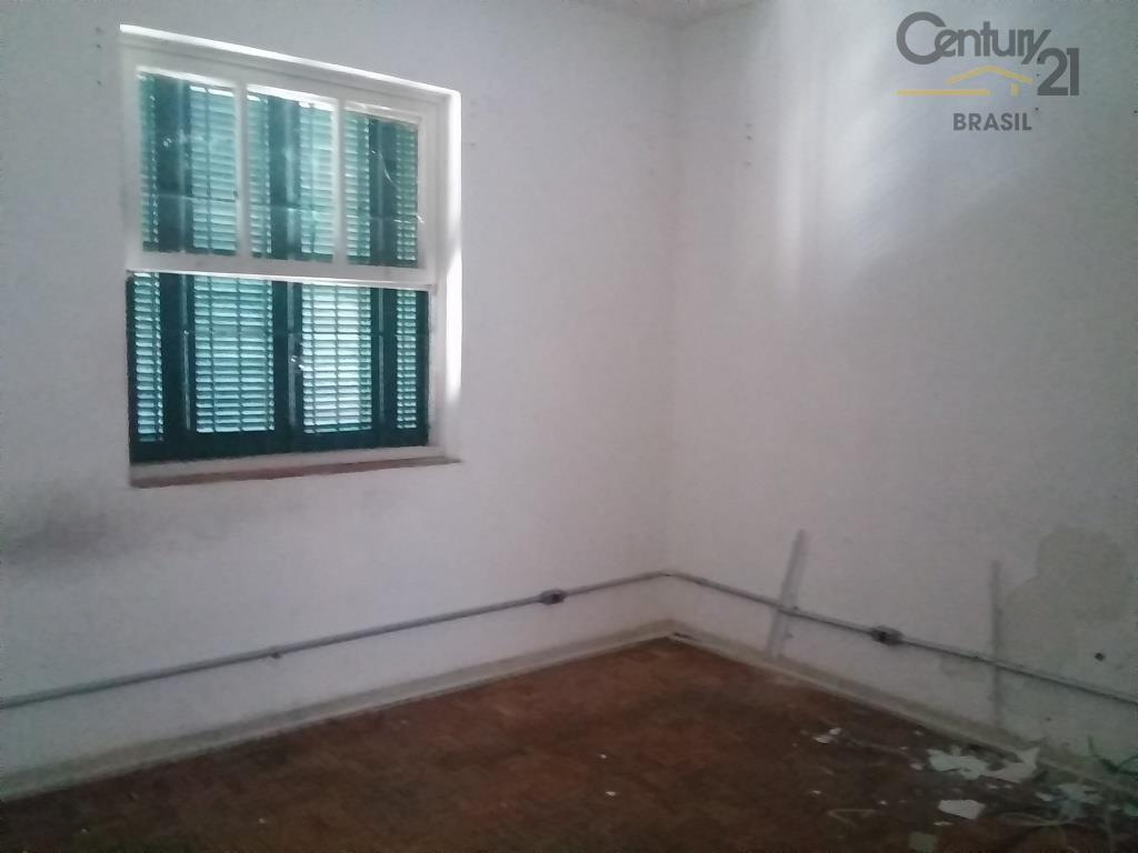 casa comercial de vila, segurança total, 03 salas, 01 cozinha, 02 vagas, 300 metros da berrini,...
