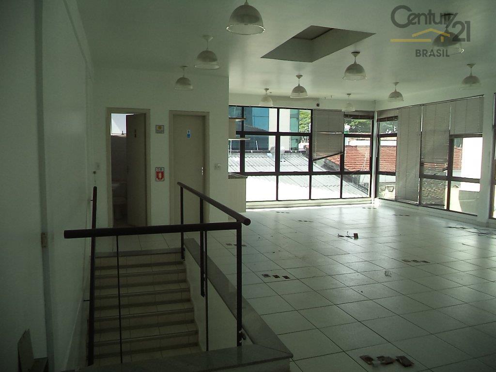 prédio comercial há 50 metros da berrini, sem condomínio, 220 metros de área construída. atualmente uma...