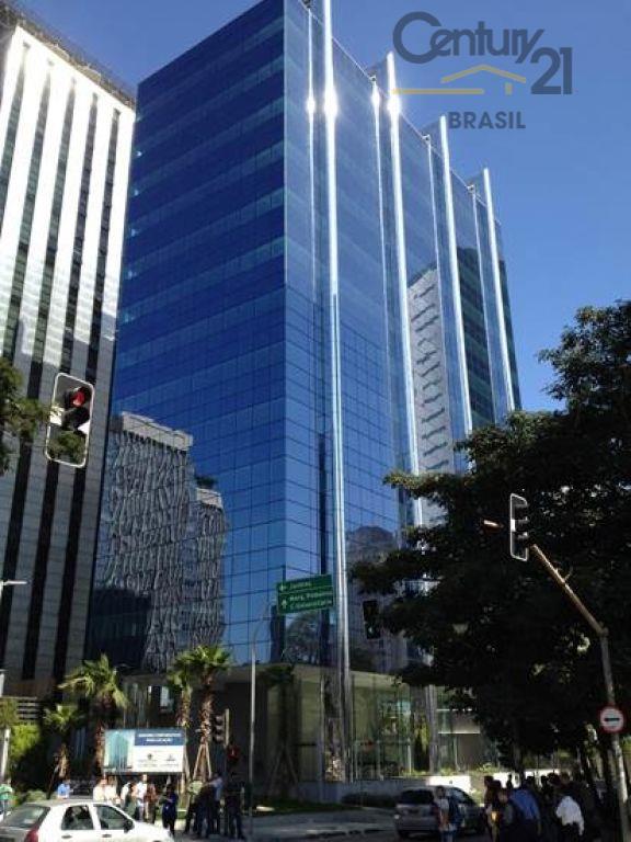 espaço comercial em prédio moderno, localizado à avenida brigadeiro faria lima, a poucos passos do metrô...