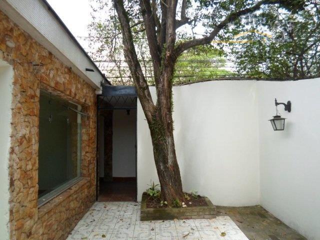 casa térrea no brooklin, reformada, ótima localização, rua tranquila, arborizada, com 03 dormitórios, sendo 01 suíte,...