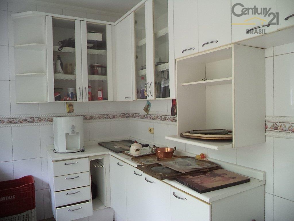 sobrado espaçoso com 3 dormitórios sendo 1 suíte repleto de armários, lavabo, sala 2 ambientes, copa,...