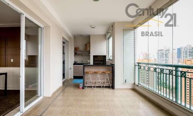 apartamento com 238m², 4 dormitórios (3 suítes), 4 vagas de garagem.ampla sacada fechada com vidro, churrasqueira,...