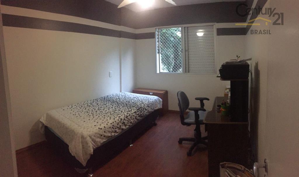 apartamento espaçoso, em andar baixo, com 173 metros quadrados de área útil, 3 dormitórios sendo 1...