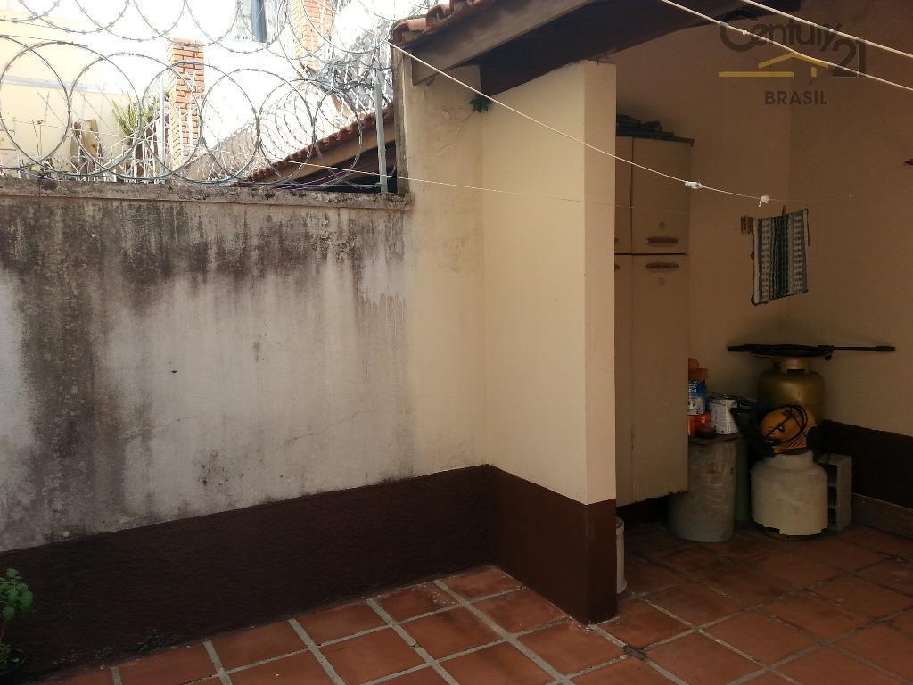 sobrado, com 3 dormitórios, 1 suíte e 2 vagas, próximo ao extra taboão da serra.