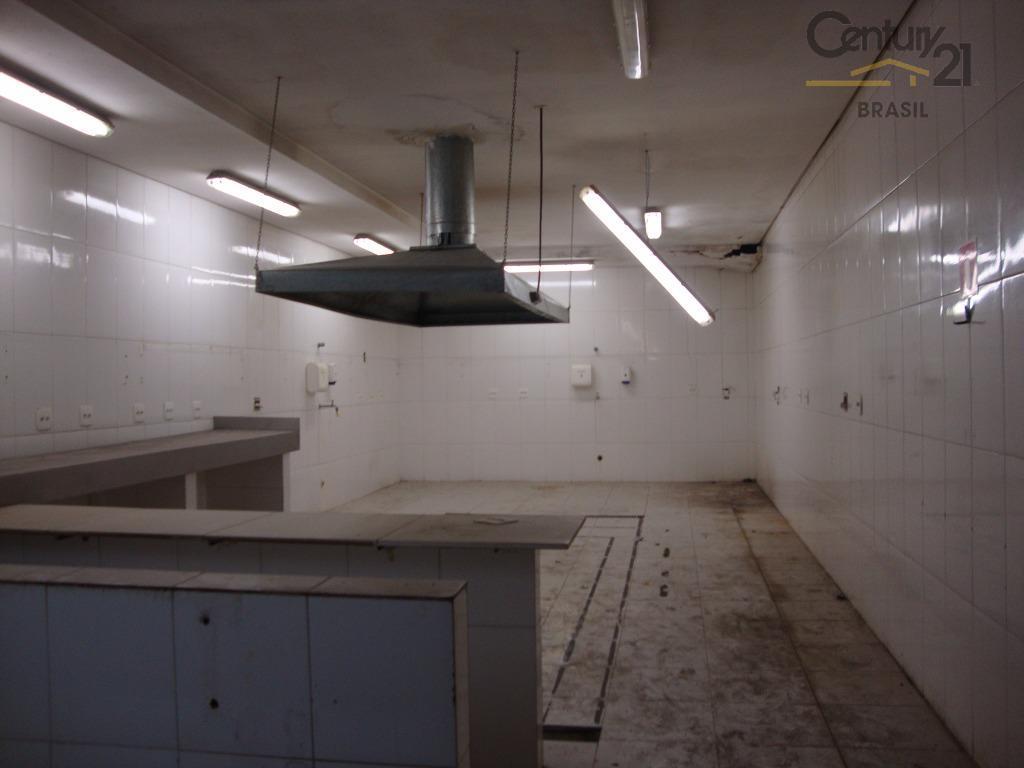 imóvel em ótima localização ,600 m² de área total, 325 de piso,com 9 banheiros,espaço aberto com...