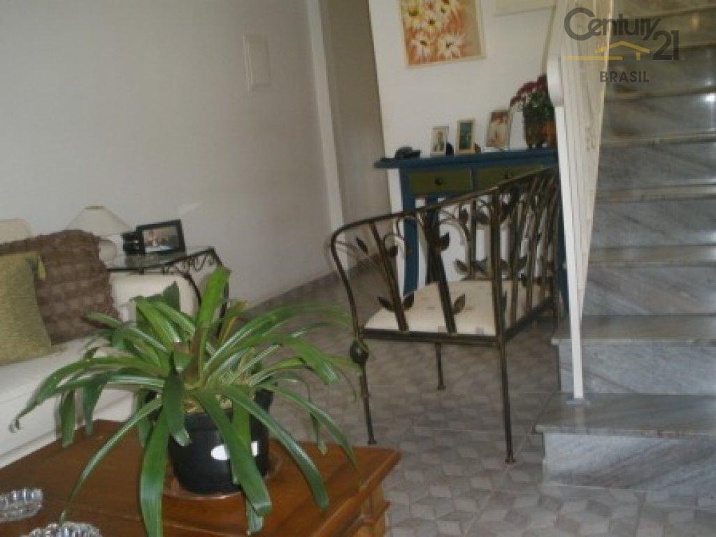sobrado no brooklin, reformado, localização privilegiada, com 02 dormitórios, sendo 02 suítes, sala ampla 02 ambientes,...