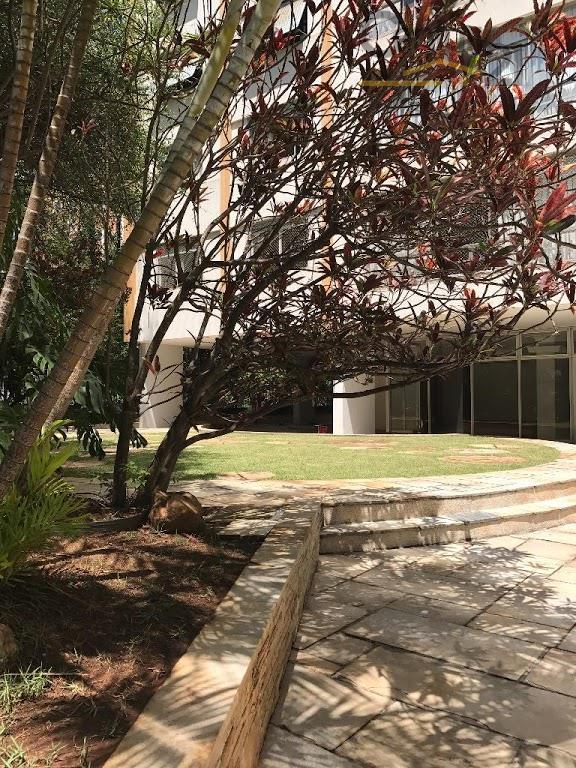 apartamento muito bem localizado, zona nobre dos jardins e vista frontal! à apenas 900 metros do...