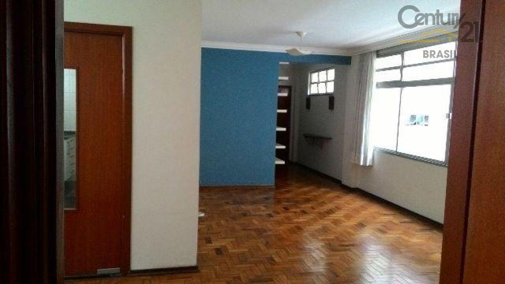 Apto à venda em Higienópolis com 120m2, 3 Dormitórios, 1 vaga, 2 banheiros , Quarto Empregada.