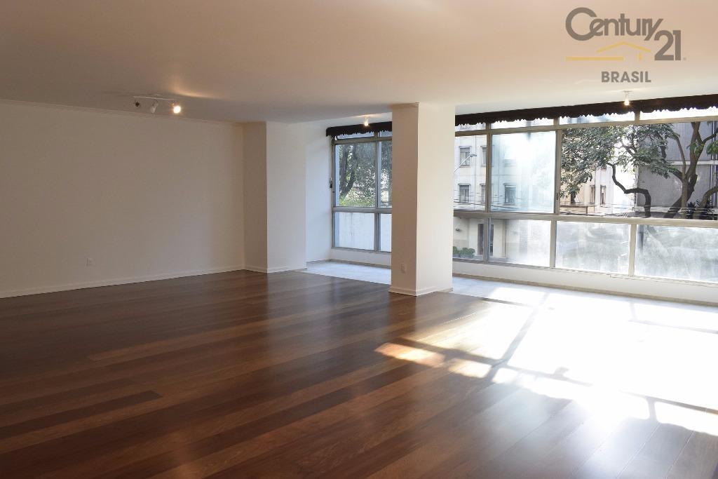 apartamento localizado no edificio jurucê, na rua rio de janeiro 151. prédio com arquitetura contemporânea muito...
