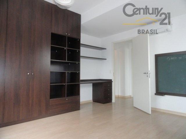apartamento decorado por arquiteto, varanda gourmet, envidraçada e cortina rolô, sala para 3 ambientes. cozinha com...
