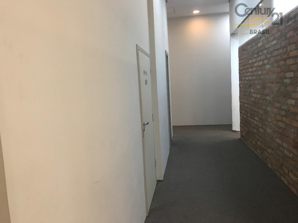 excelente loja térrea composta de portaria 24 hs, recepção e entrada independenteo imóvel é composto por...