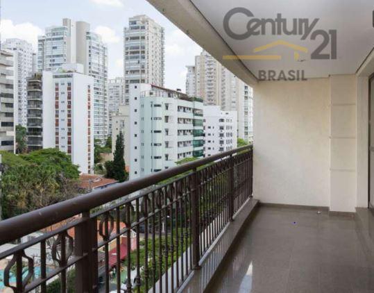 Century Ellosp Vende apartamento com muito espaço e excelente localização