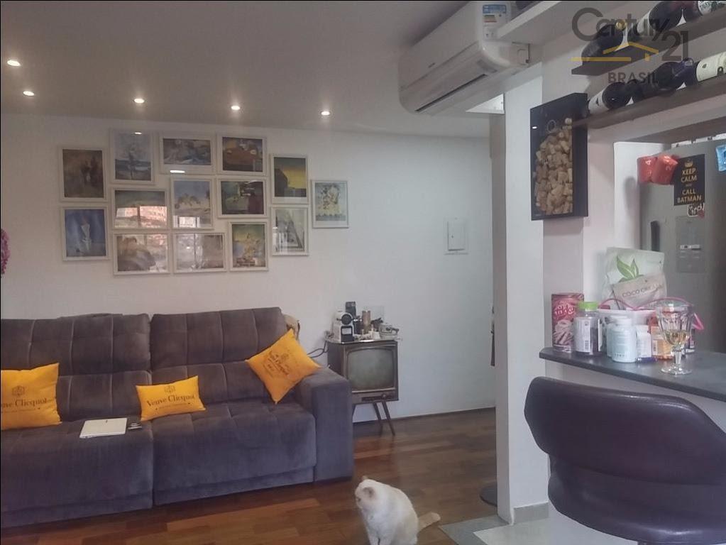 completamente repaginado! de um apartamento comum em prédio antigo surgiu um lindo apartamento de 50m² totalmente...
