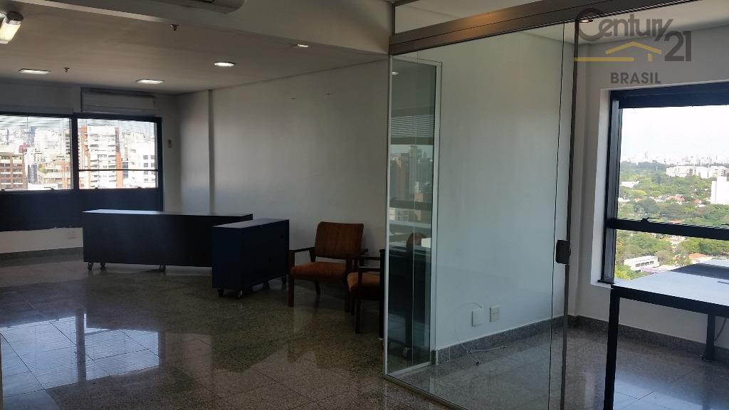 Conjunto Comercial Duplex em Pinheiros, próximo ao metrô Fradique Coutinho.